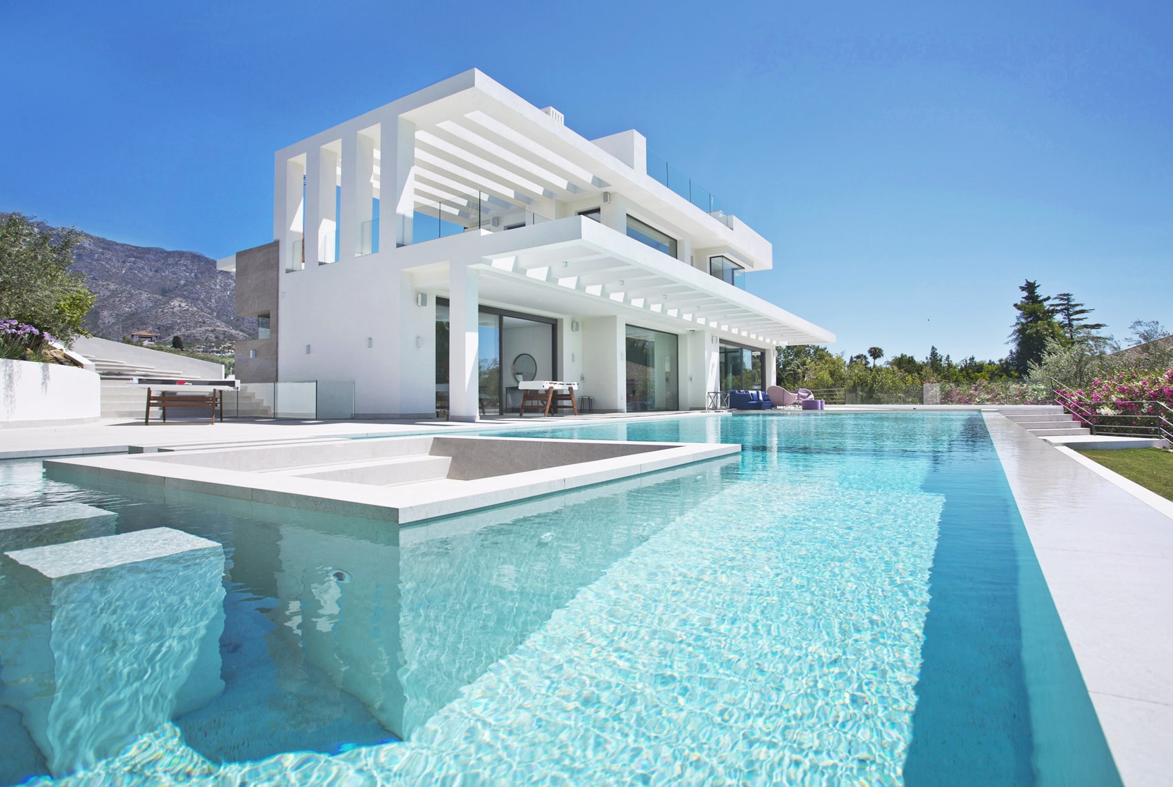 Altos de Marbella, Real Estate Marbella, Infinity pool, La Concha Mountain, Pool Bar