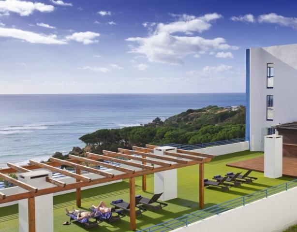 Brochures Petchey Leisure, Portugal, Sunbathing in the Algarve, Honeymooners