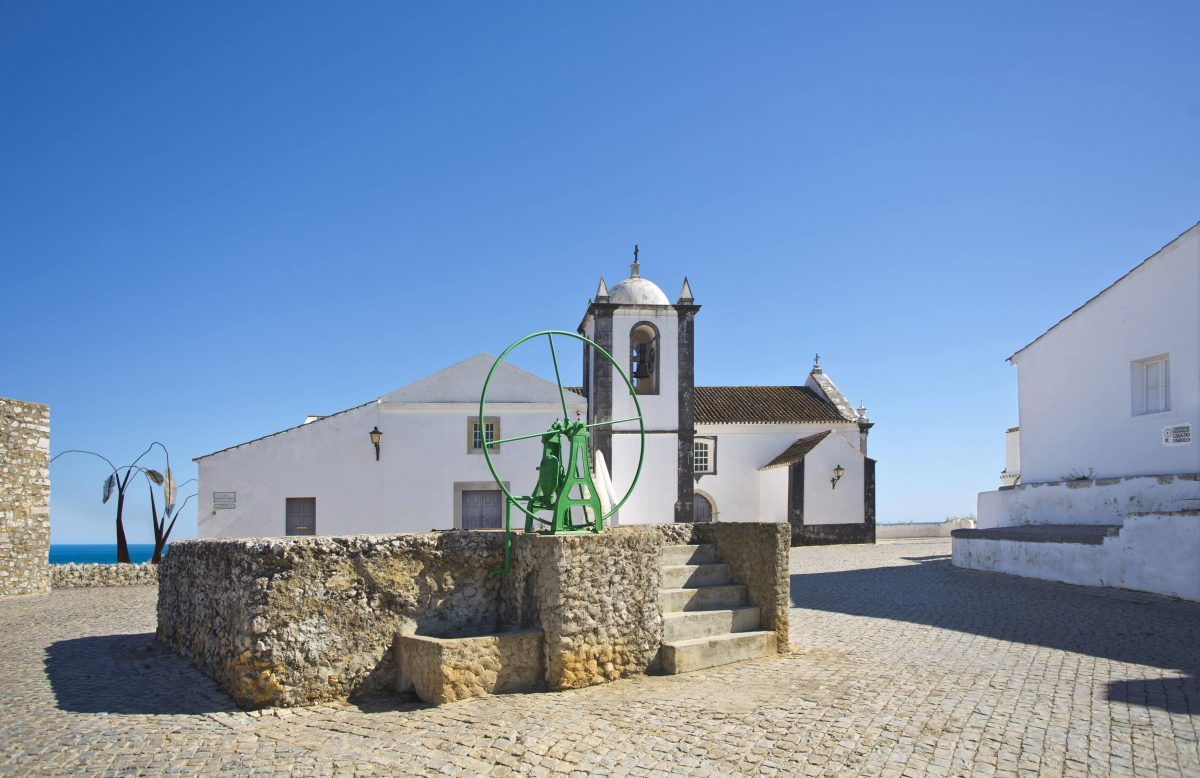 Cacela Velha, Church Square, PORTUGAL, Algarve, Portuguese church, travel in Portugal, things to see in the Algarve