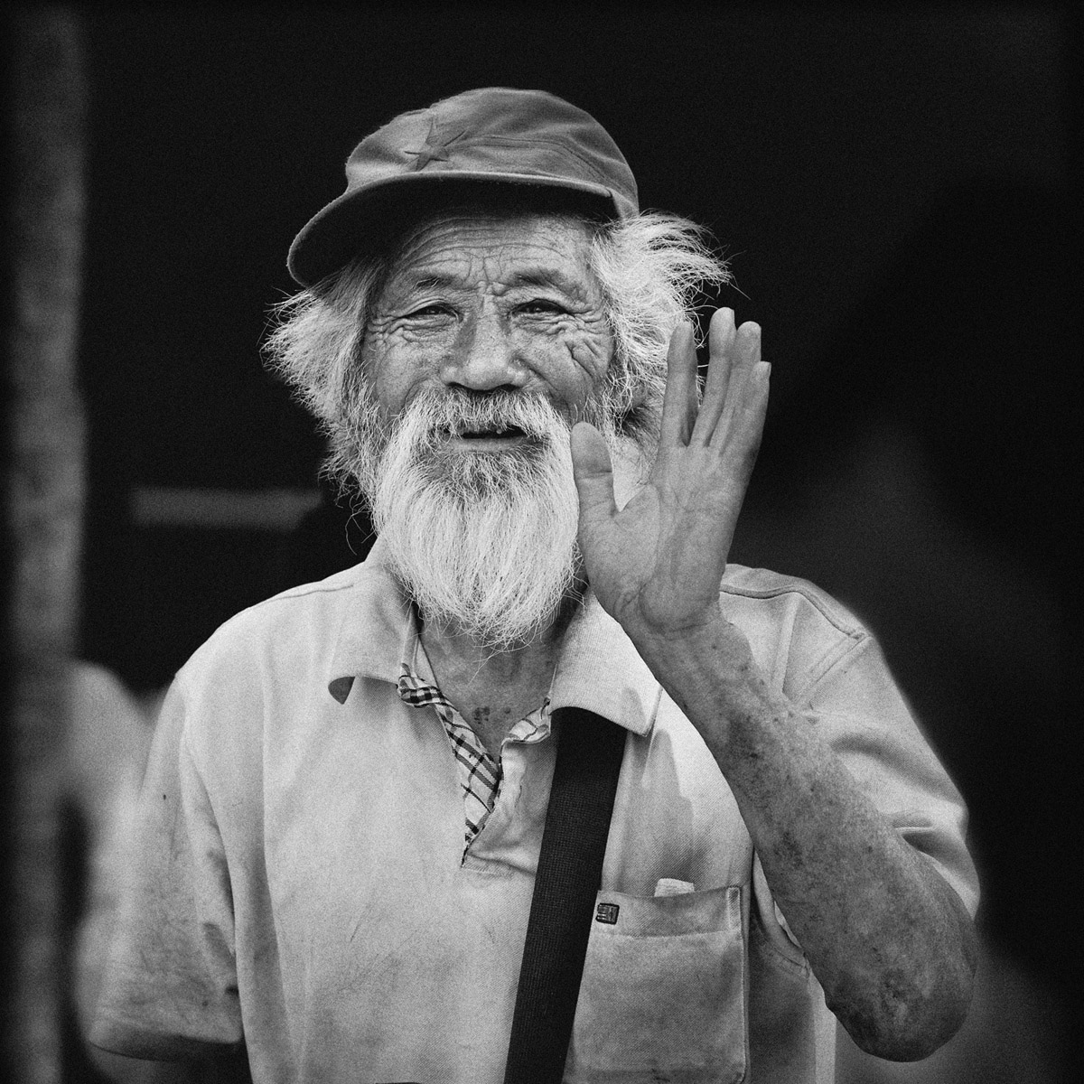 Beijing local man, Tonchee, Burberry Shirt Advert, Black and white Travel photography Chine, Beijing, Smiling Chinaman