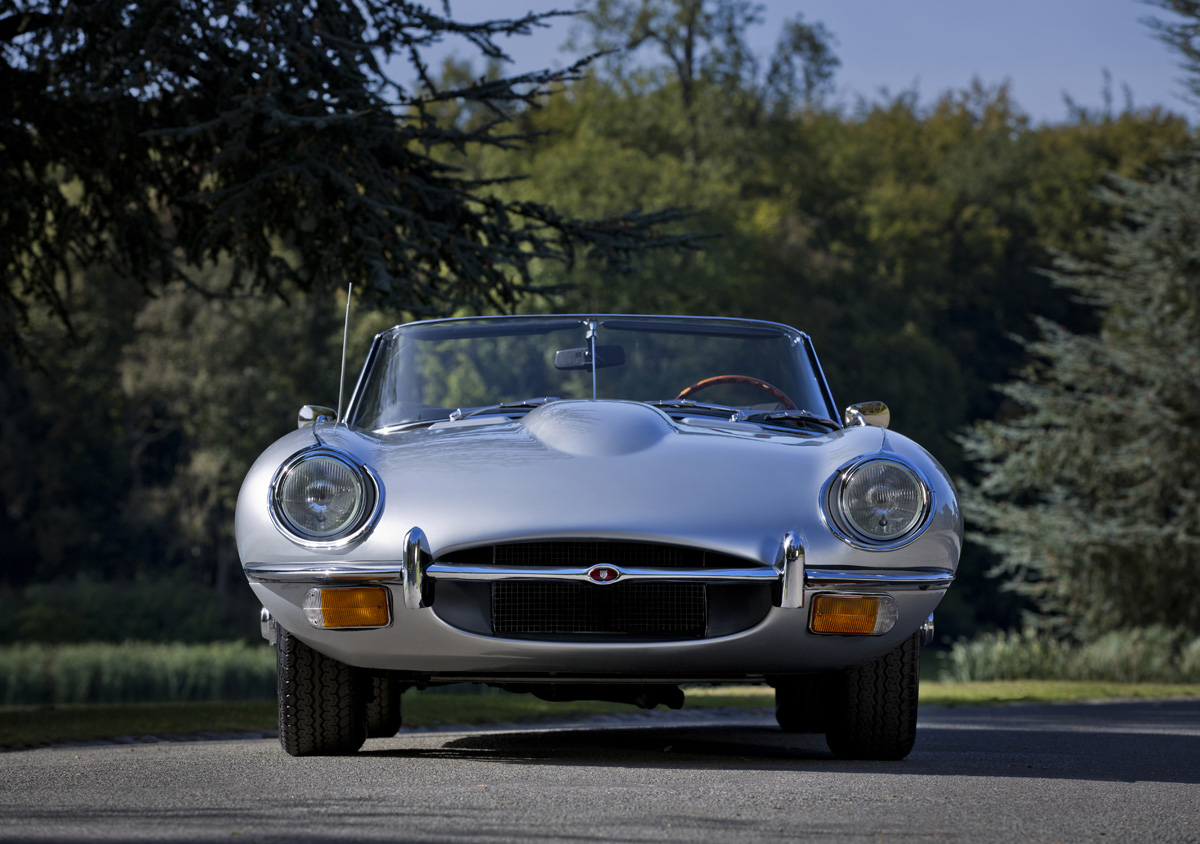 Silver 1968 XKE JAGUAR Series II Roadster, Jaguar E Type