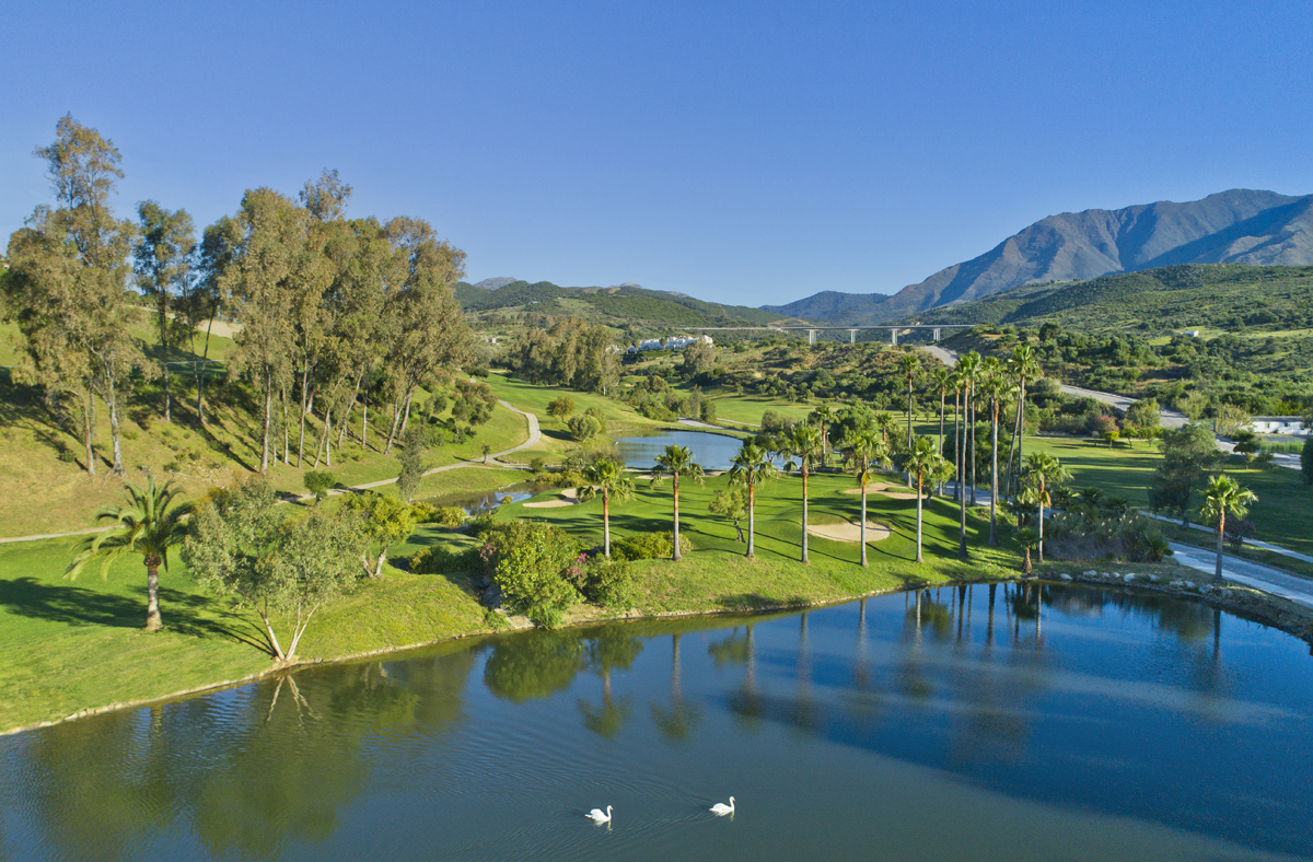 Estepona Golf, 10th Green from Drone, Golf on the Costa del Sol, Great golf images Spain, Marbella