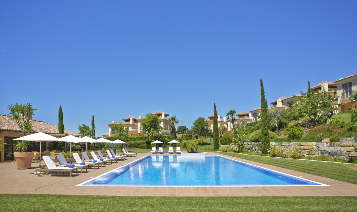 Resort Promotional Photography, Swimming pool, Monte Rei Golf, Sun loungers in line