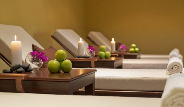 Spa Photographs, Hotel Photography, Monte Rei Golf, Algarve, Apples and candles