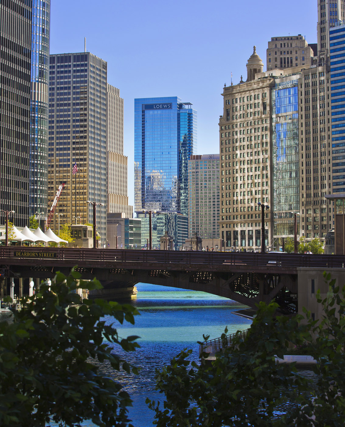 Loews Hotel Chicago, River Chicago, City Architecture, Chicago, Skyscrapers, Old and New Chicago, Chicago Clock, Stars and stripes, Gary Edwards Travel Photographs, 9,40am
