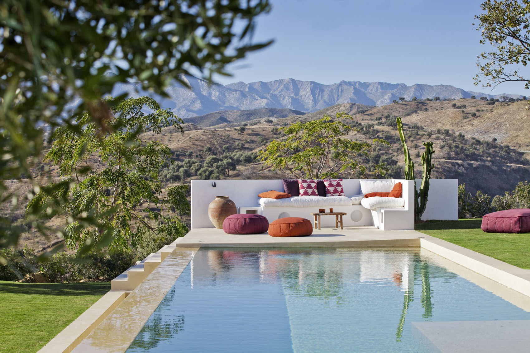 Infinity pool, Mountain view, Texas, Colorado, Outside lounge, poolside, Marbella, Andalucia, Arizona feel, desert, olive groves, Poofs, Cushions