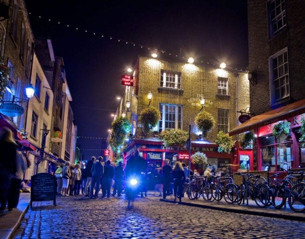 The Temple Bar, Dublin, Ireland, Nightlife Dublin, River liffey, Cycle in Dublin, Temple Bar,