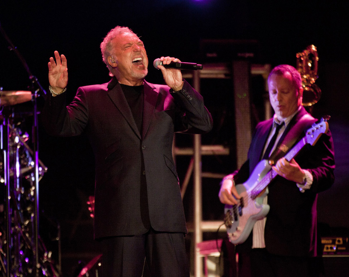 Tom JONES, Hotel Puente Romano Marbella, Marbella Gigs, Summer 2020 Marbella, Green green grass of home, sex bomb, Delilah