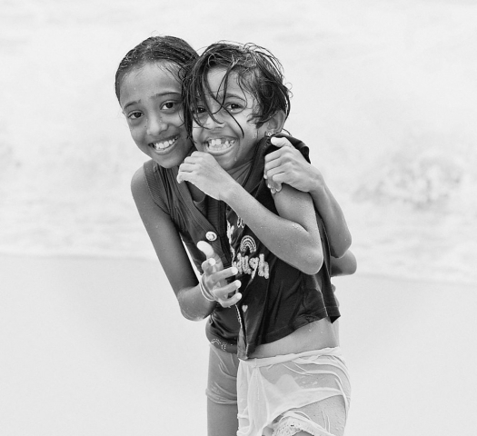 LOCAL GIRLS, Colombo Beach, Sri Lanka, Portraits, Locals, Street Photogarphy, Spur of the moment, capturing the moment