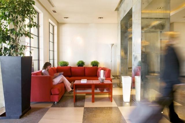 Bustling Hotel Life, Hotel Club Maritimo de Sotogrande, Marina Hotel Sotogrande, Hotel Photography Sotogrande