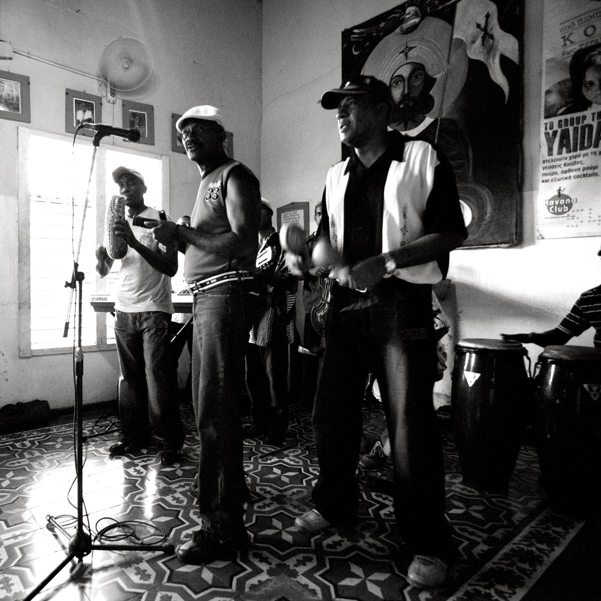 CUBAN HOUSE BAND, Santiago de Cuba, Cuban Music, Cuba Live Cuban Music, Best photographs of Cuban people