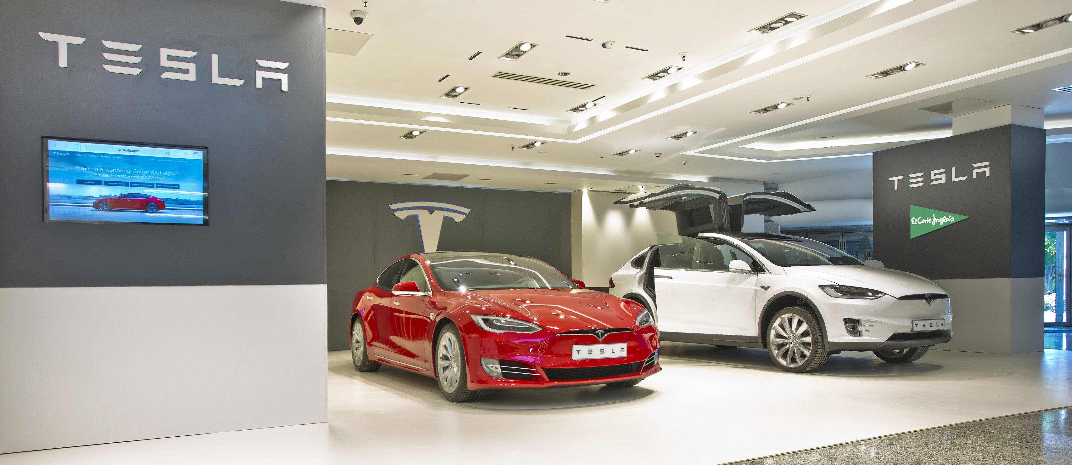 Tesla, El Corte Ingles, Car Showroom, Marbella, Shopping, Photography, Gary Edwards