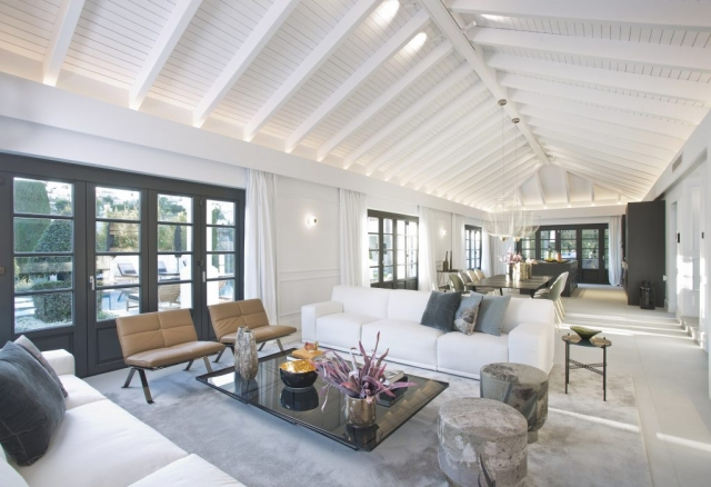 "<img src=""lugano-9007HR.jpg"" alt=""Marbella Real Estate, photographer, decor, living room"">"
